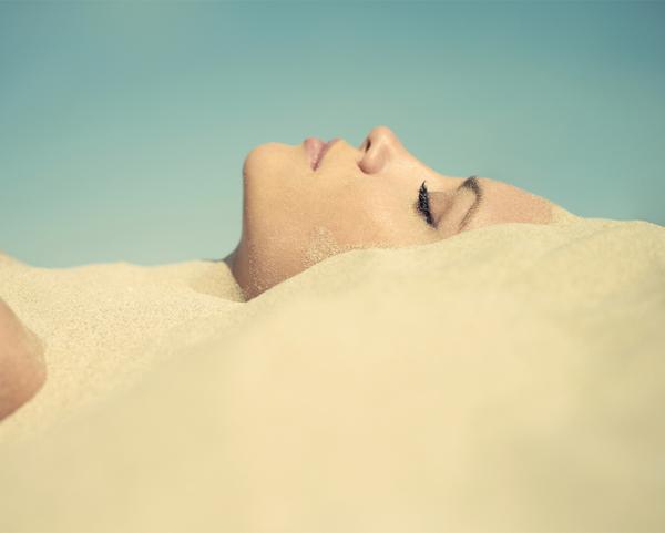 Vì sao mùa hè khiến da khô ráp? Làm thế nào để bảo vệ da tốt hơn?