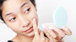 Vì sao sử dụng BHA càng xuất hiện nhiều mụn trên da?