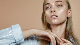 Cách giúp giảm dầu bài tiết trên da trong ngày